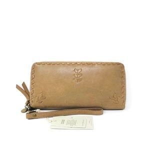 NWT Lucky Brand Genuine Leather Wallet/ Wristlet